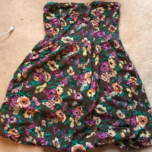 Small and short brown floral printed dress